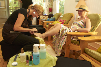 Fine Line Salon & Spa at Ruttger's Bay Lake Lodge, Deerwood, MN