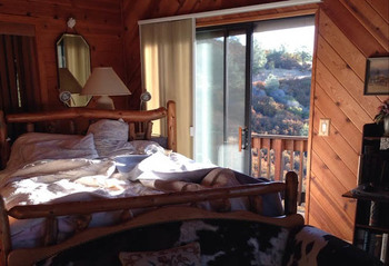 Guest room at Penon Blanco Lookout B & B.