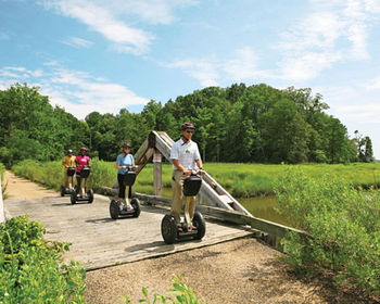 Scenic Tours at Kingsmill Resort