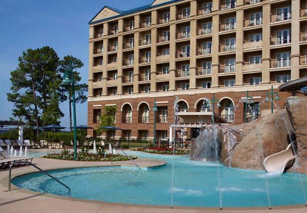 Marriott shoals hotel spa florence al resort for Pool show florence sc