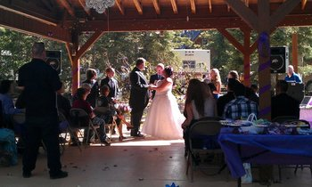 Wedding couple at Pinewoods Resort.