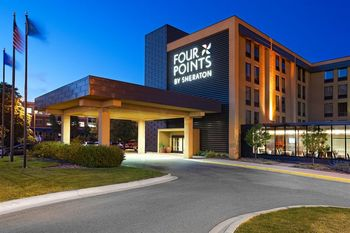 Exterior view of Four Points by Sheraton Minneapolis Airport.