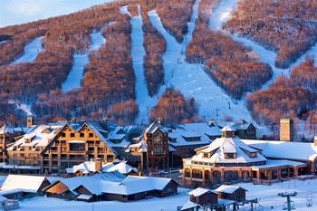 Skiing near by Bears Lair Inn.