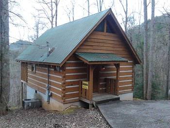 Exterior of Cabin at A Smoky Getaways