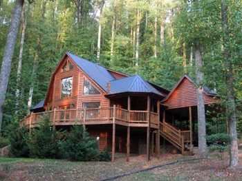 Cabin exterior at Black Bear Cabin Rentals.