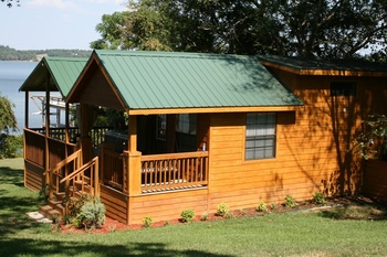Cabin exterior at Duck Inn Lake Palestine.