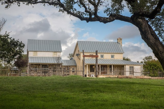 Luckenbach Inn B Amp B Fredericksburg Tx Resort Reviews