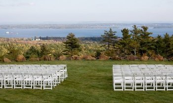 Outdoor wedding at Point Lookout Resort.