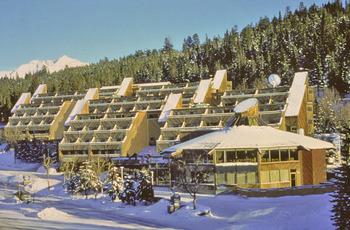 Exterior winter view of Inns of Banff.