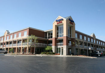 Exterior view of Fairfield Inn Detroit Auburn Hills.