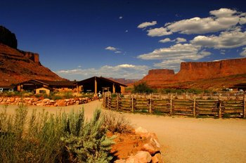 Lodge Exterior at Red Cliffs Lodge