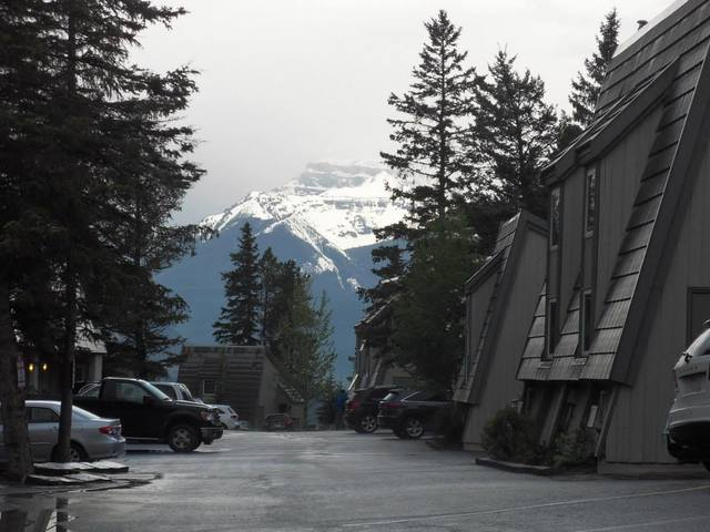 tunnel mountain resort banff alberta resort reviews. Black Bedroom Furniture Sets. Home Design Ideas