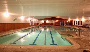 Indoor pool at Royalty Inn.
