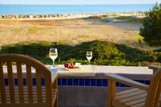 Balcony dining at Beach House Half Moon Bay.