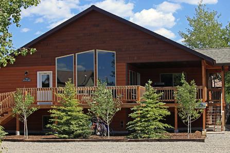 Faithful street inn west yellowstone mt resort for Cabins near yellowstone west entrance