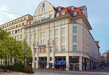 Exterior view of Seaside Park Hotel Leipzig.