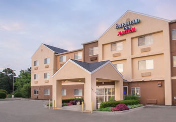 Exteriror view of Fairfield Inn Tyler.