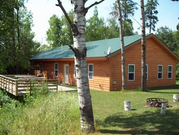 Exterior view of Oak Haven Resort & Campground.