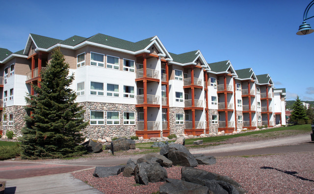 Comfort suites canal park duluth mn resort reviews for Duluth mn resorts e cabine