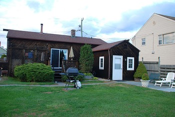 Cottage exterior at Harbour Inne and Cottage.