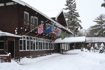 Exterior winter view at Grand View Lodge.
