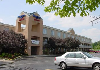 Exterior view of Fairfield Inn Detroit West/Canton.