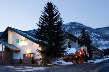 Exterior View of Holiday Inn Apex Vail