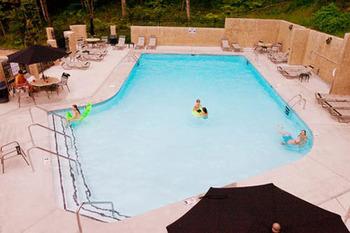 Outdoor Pool at Eden Crest Vacation Rentals