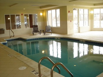 Indoor pool at Hilton Garden Inn Joplin.