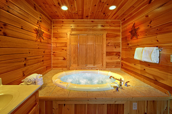 Cabin hot tub at SmokyMountains.com.