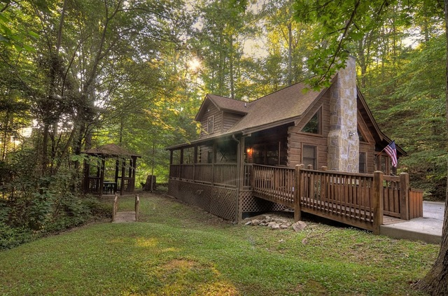 Eagles ridge resort pigeon forge tn resort reviews for Eagles ridge log cabin