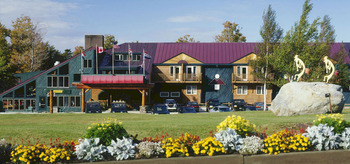 Exterior view at The Mountain Inn.