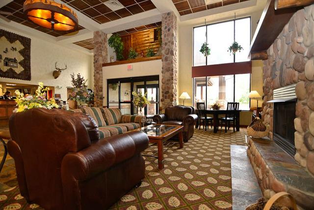 Comfort Inn Amp Suites Branson Meadows Branson Mo
