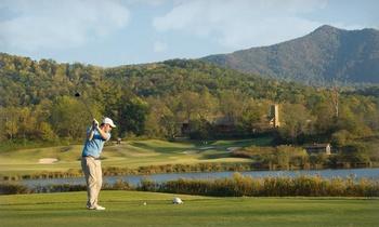 Golf course near Cuddle Up Cabin Rentals.