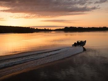 Boating at Ash-Ka-Nam Resort.