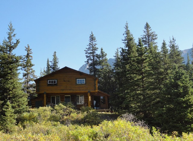 Warner guiding and outfitting banff alberta resort for Banff national park cabin rentals