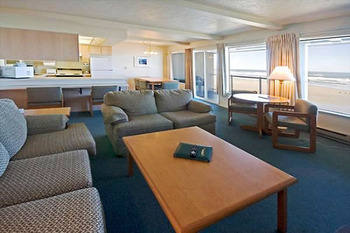 Executive suite at Driftwood Shores Resort.
