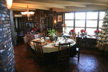 Breakfast room at Brickhaven Bed & Breakfast.