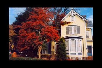 Exterior view of Aaron Burr House Bed & Breakfast Lodging.