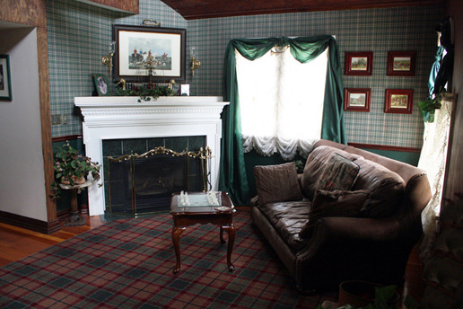 English Fox Hunt Cottage living room at The 1887 Hansen House Bed & Breakfast.