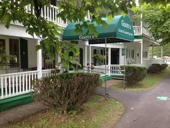 Exterior view of Gavin's Irish Country Inn.