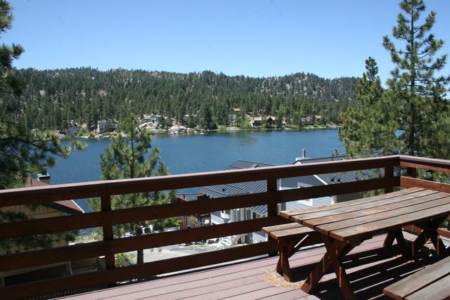 Honey bear lodge cabins big bear lake ca resort for Cabins big bear lake ca