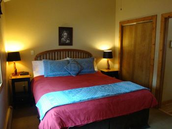Guest bedroom at Bristlecone Lodge.