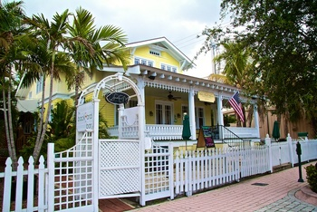 Exterior view of Hibiscus House Downtown Bed and Breakfast.