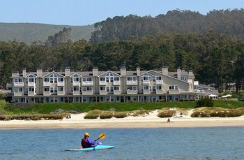 Exterior view of Beach House Half Moon Bay.