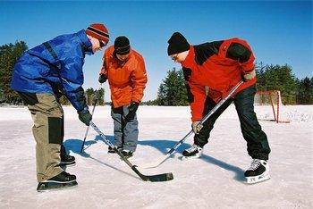 Winter hockey at Pine Vista Resort.