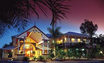 Exterior view of Rihga Colonial Club Resort Cairns.