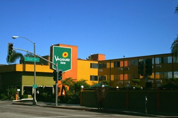 Exterior view of Vagabond Inn Long Beach.
