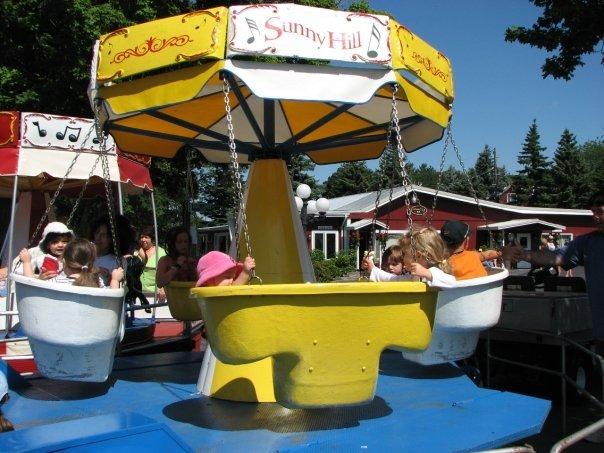 Kiddy rides at Sunny Hill Resort & Golf Course.