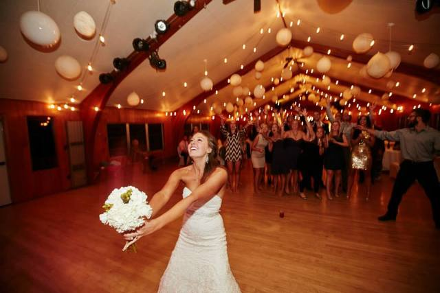 The Pavilion is the perfect lakeside location for your reception!